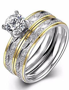 Kadın's Evlilik Yüzükleri Nişan yüzüğü Kübik Zirconia Aşk Moda Avrupa kostüm takısı Zirkon Titanyum Çelik Circle Shape Mücevher Uyumluluk