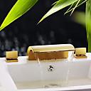 billige Vandhaner til badeværelset-Håndvasken vandhane - Vandfald Ti-PVD Udspredt Tre Huller / To Håndtag tre hullerBath Taps / Messing