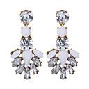 preiswerte Modische Ohrringe-Damen Kristall Tropfen-Ohrringe - Harz Blume Modisch Weiß Für Hochzeit / Party / Alltag / Normal