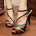 baratos Sapatos de Dança Latina-Mulheres Sapatos de Dança Latina Courino Sandália / Têni Salto Baixo Personalizável Sapatos de Dança Preto / Couro