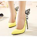 baratos Sapatos de Salto-Mulheres Sapatos Couro Ecológico Primavera / Outono Conforto / Plataforma Básica Saltos Salto Agulha Preto / Amarelo