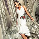 preiswerte Tanzzubehör-Latein-Tanz Kleider Damen Leistung Elasthan Stickerei / Horizontal gerüscht Ärmellos Kleid