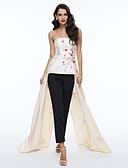 olcso Szalagavató ruhák-A-vonalú Pánt nélküli Aszimmetrikus Szatén Hivatalos estély Ruha val vel Hímzés / Rakott által TS Couture®