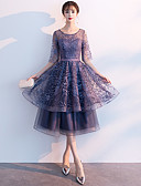 povoljno Maturalne haljine-A-kroj Ovalni izrez Do sredine lista Čipka Sjaji i svijetli Koktel zabava Haljina s Volani po LAN TING Express