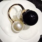 anillo de la perla elegante de las mujeres