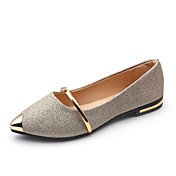 Mujer Zapatos PU Verano Suelas con luz Bailarinas Tacón Plano Dedo Puntiagudo Perla Dorado / Negro / Plata