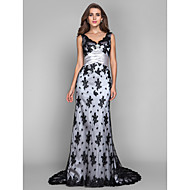 Sheath / Column V-neck Scalloped Sweep / Brush Train Lace Stretch Satin Evening Dress with Crystal by TS Couture®