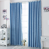 billige Mørkleggingsgardiner-To paneler Window Treatment Moderne , Polka Prikker Stue Polyester Materiale Blackout Gardiner Hjem Dekor For Vindu
