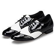 baratos Sapatilhas de Dança-Homens Sapatos de Dança Latina / Sapatos de Jazz Courino Sapatilha / Sandália / Salto Cadarço Salto Baixo Personalizável Sapatos de Dança Preto / Branco / Vermelho / Interior / Espetáculo