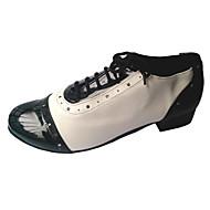 billige Moderne sko-Dame Swingsko Kunstlær Lakklær Lær Høye hæler Innendørs Ytelse Snøring Lav hæl Hvit Svart Rød Rosa Kan spesialtilpasses