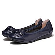 baratos Sapatos Femininos-Mulheres Sapatos Couro Primavera / Verão Conforto Rasos Sem Salto Laço / Tachas Preto / Azul / Amêndoa