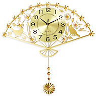 Moderne / Nutidig Huse Wall Clock,Nyhet Jern 62*64cm Innendørs Klokke