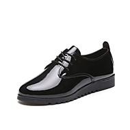 Kadın Düz Ayakkabılar Rahat PU Yaz Günlük Yürüyüş Bağcıklı Düz Topuk Beyaz Siyah Yeşil 2inç-2 3/4inç