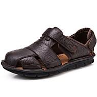 baratos Sapatos Masculinos-Homens Pele Napa Verão / Outono Conforto Sandálias Tênis Anfíbio Café