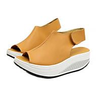 tanie Obuwie damskie-Damskie Obuwie PU Wiosna / Lato Comfort Sandały Platforma Okrągły Toe Haczyk i pętelka Black / Yellow / Czerwony