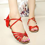 hesapli Çocuk Dans Ayakkabıları-Kadın Çocuk Latince Salsa Balo Saten Yapay Deri Sandaletler Toka Düşük Topuk Kırmızı Gümüş Kahverengi Altın Kraliyet Mavisi 3.5cm