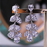 Dame 1 Stangøreringe Kvadratisk Zirconium Mode Sølvbelagt Bladformet Smykker Bryllup Aftenselskab Kostume smykker
