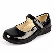 baratos Sapatos de Menina-Para Meninas Sapatos Courino Primavera / Outono Conforto Rasos para Branco / Preto