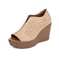 tanie Obuwie damskie-Damskie Obuwie Skórzany Nappa Leather Wiosna Lato Comfort Sandały Koturn na Casual Almond Granatowy