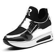 Žene Cipele Poliamidno vlakno / Lakirana koža Proljeće / Jesen Udobne cipele Sneakers Ravna potpetica Crn