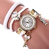 billige Quartz-Dame Quartz Armbåndsur Kinesisk Imiteret Diamant Afslappet Ur PU Bånd Sommerfugl Bohemisk Sort Hvid
