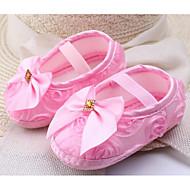 baratos Sapatos de Menina-Para Meninas Sapatos Seda Primavera & Outono Conforto / Primeiros Passos Rasos para Bebê Roxo / Vermelho / Rosa claro
