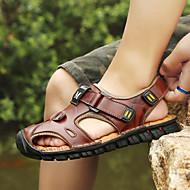 baratos Sapatos Masculinos-Homens Pele Verão Conforto Sandálias Caminhada Estampa Colorida Preto / Castanho Claro / Castanho Escuro / Slogan