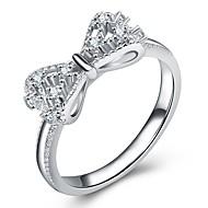 Pentru femei Stl Gol Inel Placat cu platină Diamante Artificiale Fluture Nod Funda femei Romantic Dulce Elegant Inele la Modă Bijuterii Argintiu Pentru Nuntă Cadou Mascaradă Petrecere Logodnă Bal Dată