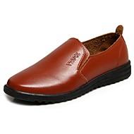 baratos Sapatos Masculinos-Homens Sapatos formais Couro Ecológico Outono Mocassins e Slip-Ons Preto / Amarelo / Marron / Festas & Noite
