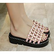 baratos Sapatos Femininos-Mulheres Couro Ecológico Verão Conforto Chinelos e flip-flops Sem Salto Branco / Preto / Rosa claro