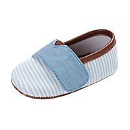 baratos Sapatos de Menino-Para Meninos / Para Meninas Sapatos Lona Primavera & Outono Conforto / Primeiros Passos Rasos Colchete para Bebê Rosa claro / Azul Claro / Amêndoa / Listrado