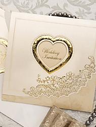 Недорогие -образец классической роскоши сложенном приглашение на свадьбу с сердцем выреза (один комплект)