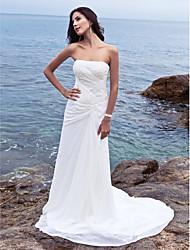 abordables -Fourreau / Colonne Sans Bretelles Traîne Chapelle Mousseline de soie Robes de mariée sur mesure avec Drapée sur le côté par LAN TING BRIDE®