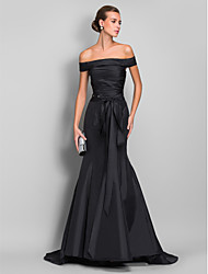 Mermaid / Trumpet Off-the-shoulder Sweep / Brush Train Taffeta Evening Dress with  Ruching by TS Couture®