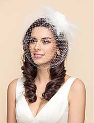 Une couche Voiles de Mariée Voiles Blush Voile de cage à oiseaux Avec Plume Fleur en Satin Tulle A-ligne, Robe de bal, Princesse,