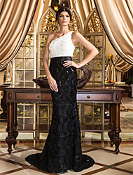 cheap -Mermaid / Trumpet One Shoulder Court Train Floral Lace Formal Evening Dress with Lace Flower by TS Couture®