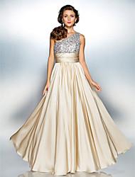 Bainha / coluna um vestido de baile de chiffon de cetim com piso de ombro com drapeamento de ts couture®