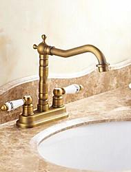 preiswerte -Traditionell Mittellage Keramisches Ventil Zwei Löcher Zwei Griffe Zwei Löcher Antikes Messing, Waschbecken Wasserhahn
