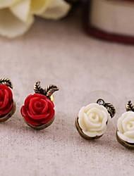 preiswerte -Vintage kleine Kunststoff Rosen Legierung Ohrringe klassischen weiblichen Stil