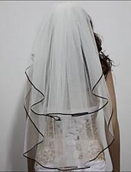 Недорогие -Свадебные вуали Два слоя Фата до локтя С лентой по краю 31.5 (80 см) Тюль Атлас Белый Цвет слоновой кости