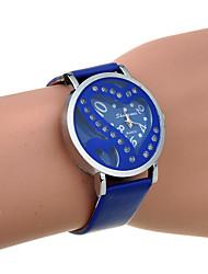 Недорогие -горный хрусталь двойного сердца женщин выдалбливают пу кварцевые часы (ассорти цветов)