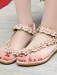 preiswerte -Damen Schuhe Kunstleder Frühling Sommer Flacher Absatz Satin Blume für Draussen Kleid Weiß Kamel