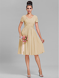 cheap -Bridesmaid Dress Lanting Bride® Knee-length Chiffon - Sheath / Column V-neck Plus Size / Petite with Draping / Ruching