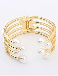 Dame Armbånd erklæring smykker Europæisk Perle Imiteret Perle Legering Hvid Gylden Smykker For Bryllup Fest Daglig Afslappet 1 Stk.