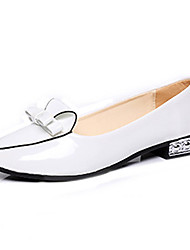 Women's Shoes Patent Leather Comfort / Pointed Toe Flats Office & Career / Casual Low Heel Bowknot / Crystal Heel