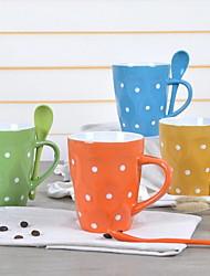 В европейском стиле, керамические чашки точки Чашку кофе пару чашек для дома (случайный цвет)