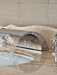 Moderna Difundido Cascata with  Válvula Cerâmica Três Aberturas Duas alças de três furos for  Cromado , Torneira pia do banheiro
