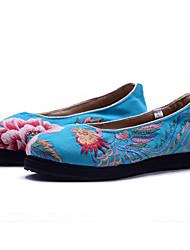 baratos -Mulheres Sapatos Lona Primavera Verão Conforto Botas da Moda Sapatos bordados Rasos Caminhada Sem Salto Ponta Redonda Flor de Cetim Flor