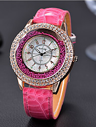 cheap -Women's Wrist Watch / Floating Crystal Watch Rhinestone / Cool / / Leather Band Vintage / Casual / Fashion Black