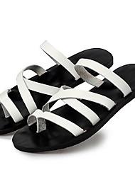 preiswerte -Herrn Schuhe Leder Frühling Sommer Herbst Komfort Slippers & Flip-Flops Wasser-Schuhe für Normal Draussen Weiß Schwarz Hellbraun